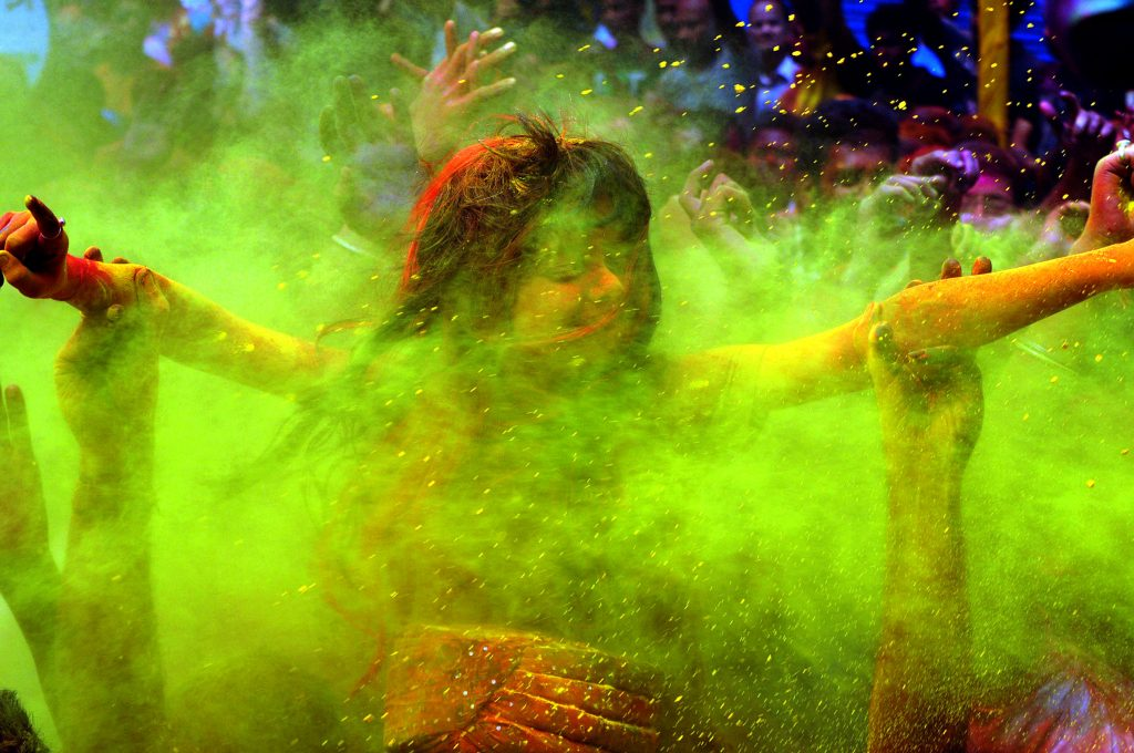 how-to-remove-holi-color